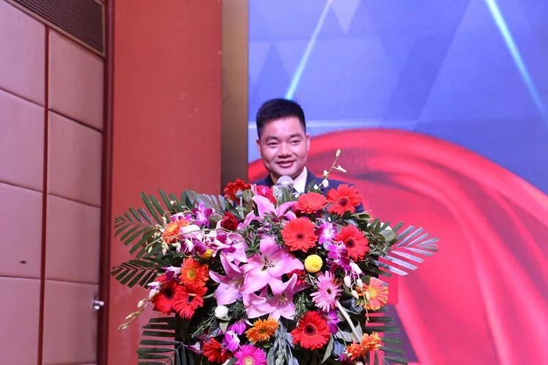 桥头电子商务协会会长阮班雨讲话