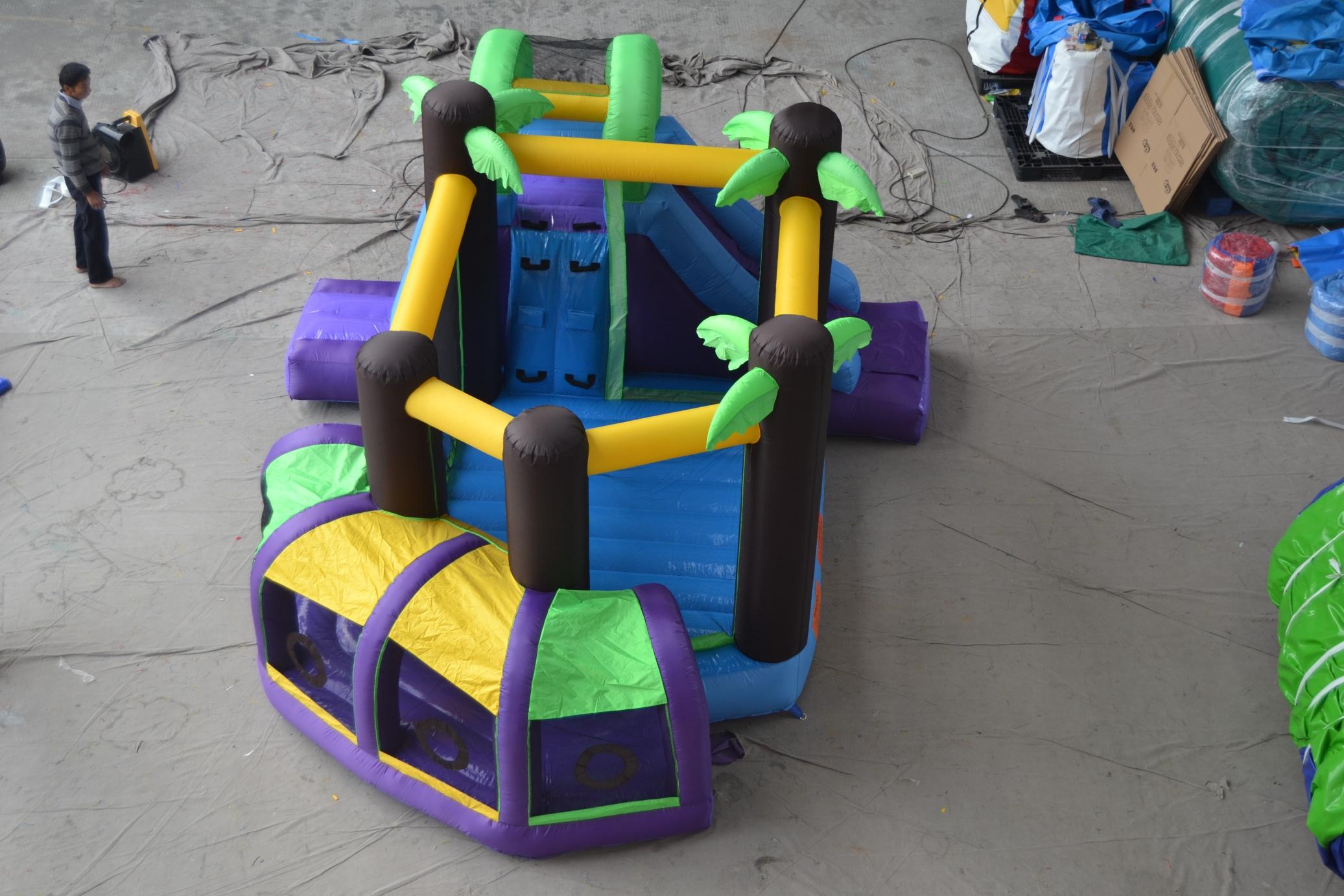 儿童充气蹦蹦床