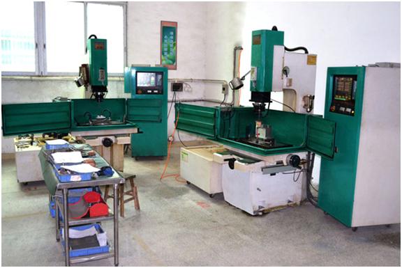 广东包胶织带-百强橡塑-生产机器